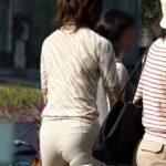 エロいカラダの新妻が街中で撮った隠し撮りショットの素晴らしさを実感するスレ[23枚]