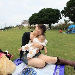 子供と一緒の若奥さんが胸チラ&パンチラしちゃった画像をご覧ください[25枚]