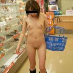 エロいカラダした女の子がローソンとかセブイレで過激に露出してる画像、一見の価値あり[31枚]
