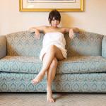 美人さんが足組んでエロい脚のラインを強調してる画像が過激すぎww[24枚]