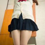 女子高コス美女がミニスカート制服ミニスカでエロい美脚を見せてくれる画像って、ガチ勃起するよな?[43枚]