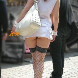 女の子が破廉恥ミニスカでエロい尻を見せてくれる画像でシコシコしましょう[43枚]