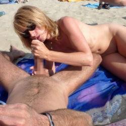 外国人がビーチでエッチな事してる画像がたまらんエロさ[31枚]